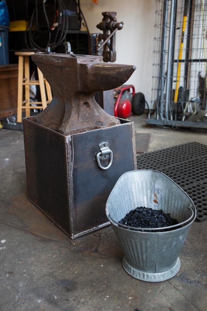 anvil w coal bucket